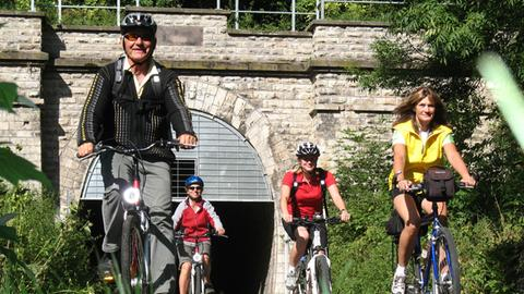 Radfahrer auf dem Milseburg-Radweg