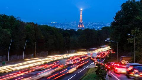 Autobahn vor Paris