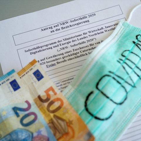 """Formular und Antrag zum Erhalt von finanzieller Unterstützung und """"Corona Hilfe"""" der Landesregierung und Bezirksregierung in Nordrhein-Westfalen, NRW"""