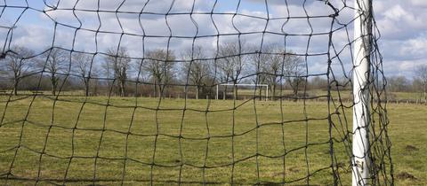 Verlassener Fußballplatz