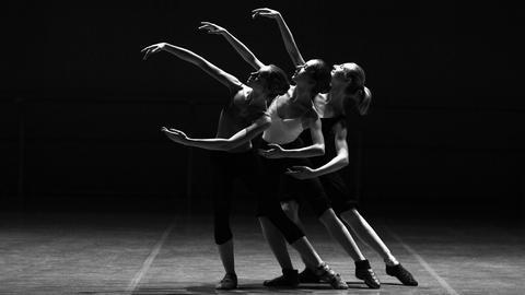 Drei Tänzerinnen