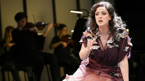 "Elizabeth Bailey singt die Rolle der ""Alcina"""