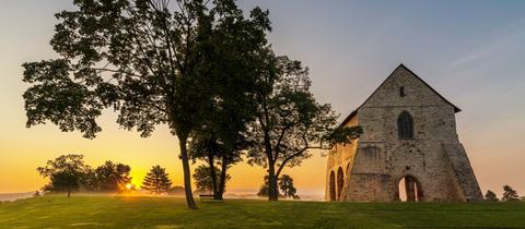 Basilika-Fragment bei Sonnenaufgang