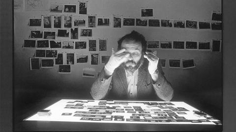 """Fotografie Forum Frankfurt: Campeau - L'enfance me court après, aus der Serie """"Heartquakes"""" (1988)"""
