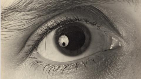 Carl Albiker, Ohne Titel (Close-up eines Auges), 1930