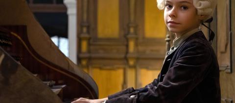 Colin Pütz spielt den achtjährigen Louis van Beethoven.