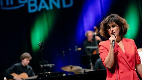 Cristina Branco & hr-Bigband