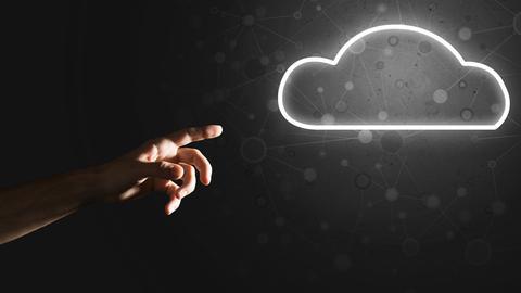 Cloud Ikon vor dunklem Hintergund
