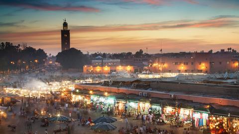 Menschenmenge in Jamaa el Fna, Marrakesch