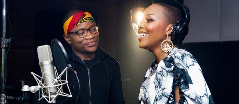"""Der Südafrikaner DJ Master KG und Nomcebo Zikode (undatierte Aufnahme). Ihr Song """"Jersualema"""" entwickelt sich global zu einem Hit, der in Deutschland und Indien, Frankreich, Chile, Italien oder China die Massen bewegt."""