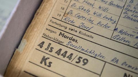 Ein Dokument des ersten Frankfurter Auschwitz-Prozesses im Hessischen Hauptstaatsarchiv Wiesbaden
