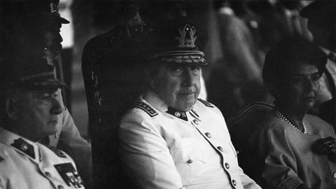 NUR FÜR DOPPELKOPF Der chilenische Diktator Augusto Pinochet 1986 in Santiago de Chile.
