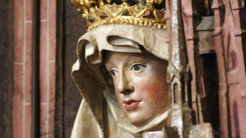 Das Haus Hessen kann seine Ursprünge bis auf die Heilige Elisabeth zurückverfolgen, hier ihre Figur in der Marburger Elisabethkirche.