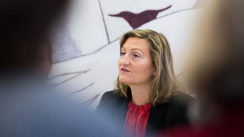 Ingrid Pfeiffer, Kuratorin der Schirn