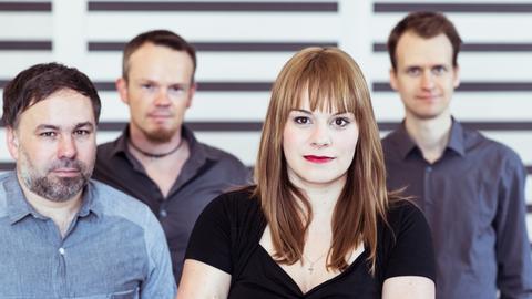 """Tine Wiechmann mit Mitgliedern ihrer Band """"Enaim"""" (Hebräisch für """"Quellen"""")"""