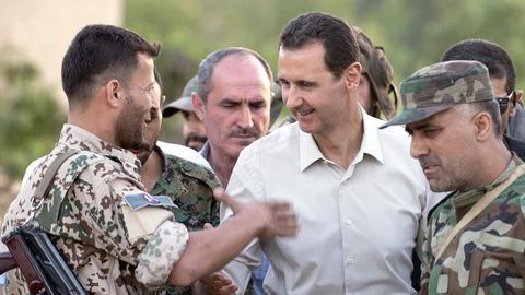Baschar al-Assad beim Truppenbesuch