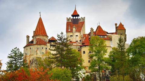 Schloss Bran in Transsilvanien, Rumänien, gilt als Wohnort von Dracula.
