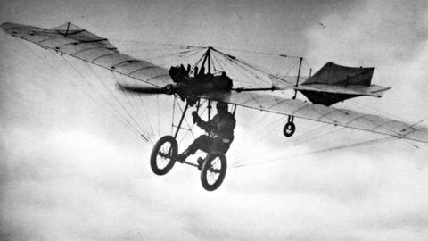 Der erste deutsche Motorflieger Hans Grade, um 1909