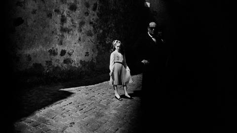 Fotografie Forum Frankfurt: Arbeiten italienischer Fotografinnen- Letizia Battaglia: La Bambina e il Buio Baucina