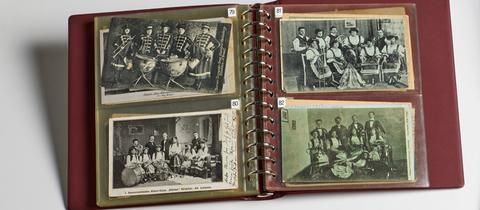 Postkarten von Damenblaskappellen im Archiv Frau und Musik