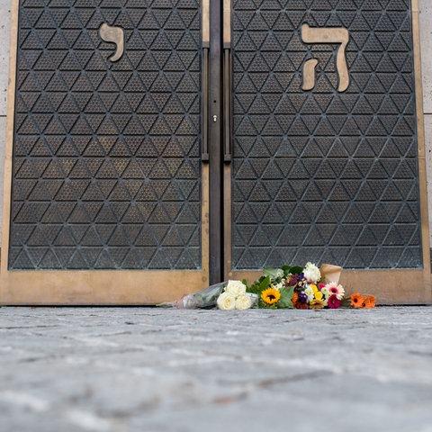 Halle Trauer Blumen Synagoge