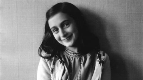 Dieses Foto von Anne Frank ist um das Jahr 1941 entstanden.