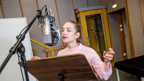 Sina Martens spricht die Rolle der Fanny.