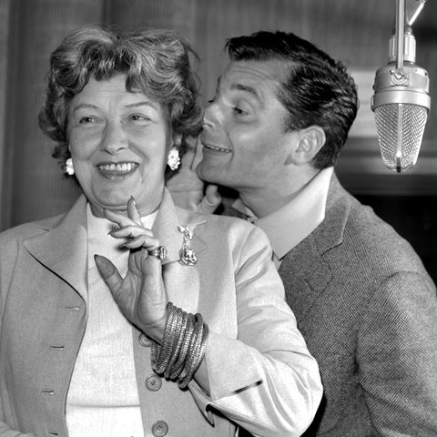 Hilde Hildebrandt (Mrs. Garrison) und Peer Schmidt (Longfellow Deeds)
