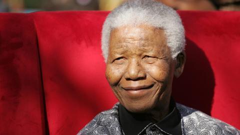 Porträt des Friedensnobelpreisträgers Nelson Mandela
