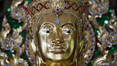 """Ein Buddha-Figur ist am 13.07.2017 im Schloss Dillich (Hessen), dem """"Buddhismus Tempel für Nirwana, zu sehen."""