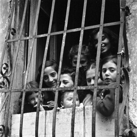 Römische Kinder in den 1950er Jahren