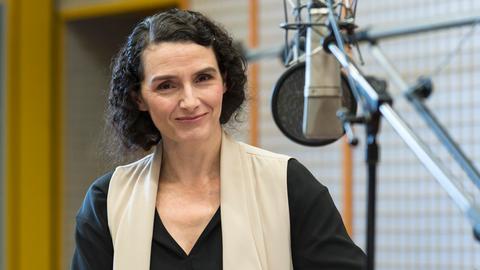 Sascha Icks spricht die Rolle von Jane Austen.