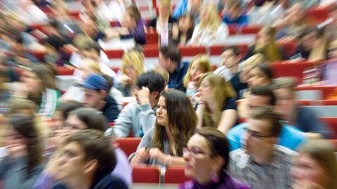 Studentin Vorlesung Zoomeffekt