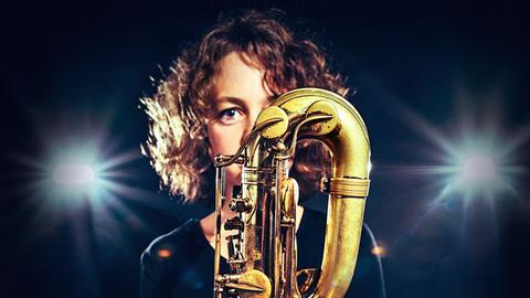 Live-Musik gibt es von Tini Thomsen und Band.