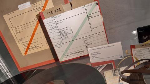 hrJE im Band-Karton