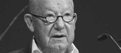 Jürgen Holtz (1932-2020)