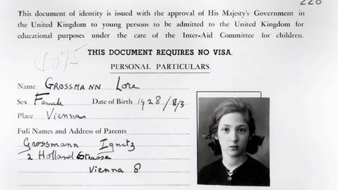 Britische Ausweiskarte eines geretteten Kindes aus Wien