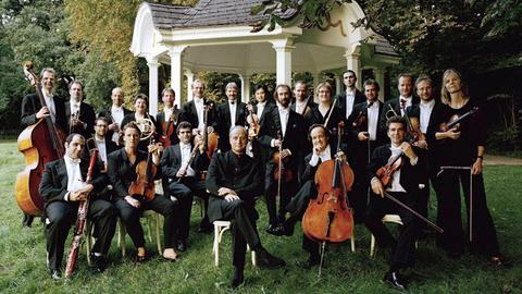 Die Deutsche Kammerphilharmonie mit ihrem künstlerischen Leiter Paavo Järvi