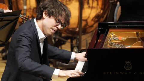 Der französische Pianist Lucas Debargue