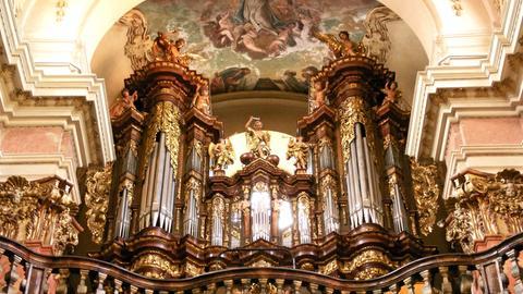 Orgelempore der Basilika St. Jakob in Prag