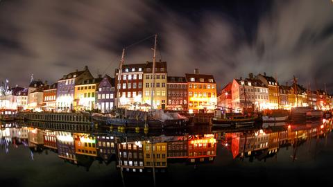 Nyhavn in Kopenhagen bei Nacht