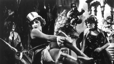 """Marlene Dietrich als Lola Lola in Josef von Sternbergs Ufa-Film """"Der blaue Engel"""""""
