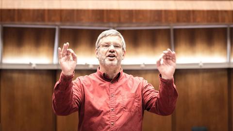 Leiter und Dirigent Michael Schneider