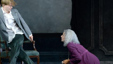 "Oper Frankfurt ""The Medium"""