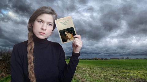 """Newle Pollatschek hält das Buch """"Jane Eyre"""" hoch"""