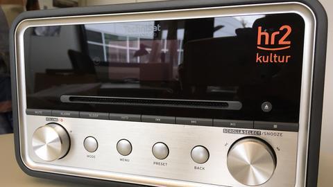 Radio mit hr2-Logo