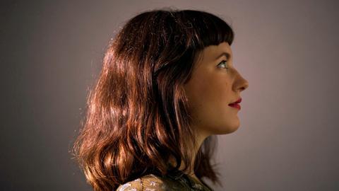Mirna Bogdanović ist eine slowenisch-bosnische Jazzmusikerin.