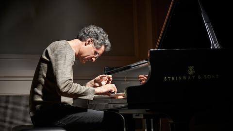 Matthias Kirschnereit am Klavier
