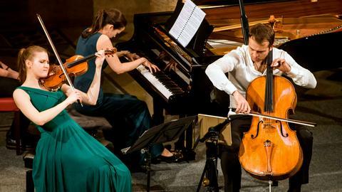 Trio Marvin: Marina Grauman (Violine), Marius Urba (Violoncello) und Vita Kan (Klavier)