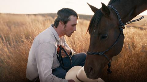 "Brady Jandreau in einer Szene des Films ""The Rider"""